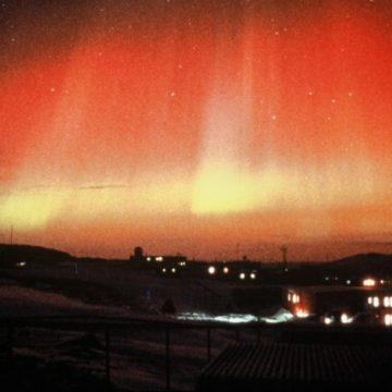 藤原定家の日記 「赤気」はオーロラ 極地研などが解析