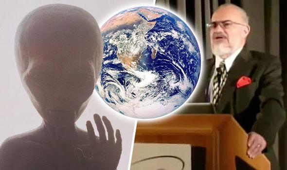 「エイリアンが人類を地球に隔離している」と原子物理学者が主張