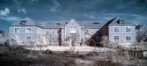海外の最も恐ろしい幽霊病院と精神病院TOP5