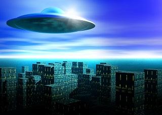 米テキサス州上空で静止する謎の光:葉巻型UFOなのか?!