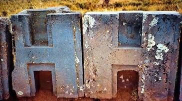 永遠の謎:ボリビアの古代遺跡「プマプンク」