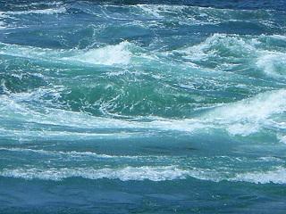 バミューダトライアングルの謎解明か!船舶事故の原因はキラーウェーブ?!