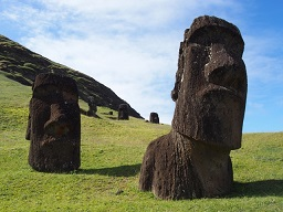 イースター島モアイ像は淡水の取水地を示していた!?