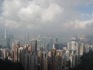 駐車スペース1台分より小さい!香港で一番小さいアパートの部屋